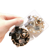 Camellia Designer Brooch Pin for Women Girl Coat Sweater Accessories Vintage Badge Fashion Jewelry Handmade Korean Fall Winter
