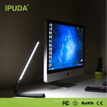 Lampe de bureau de bureau d'usine de source avec la batterie 2000mah intégrée et le changement flexible de couleur pour la lecture et la protection d'oeil