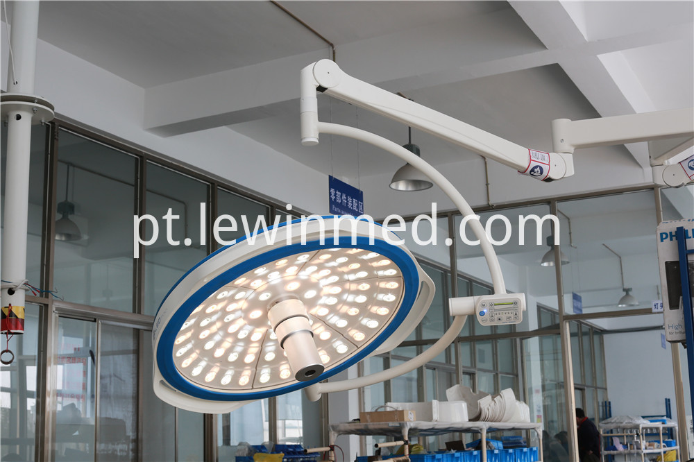 Medical led light with camera system