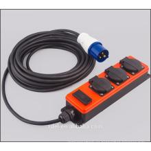 Zócalo de plomo de extensión schuko de 3 vías con enchufe CEE y USB