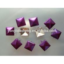 Prix de gros personnalisé différentes perles de griffe de couleur