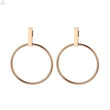 Pendientes geométricos de oro rosa de círculo redondo simple