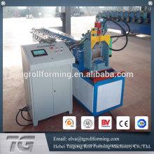 Vollautomatische Rollladen-Lattenformmaschine