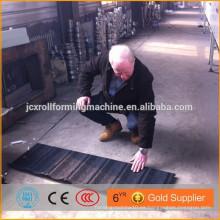 Piedra revestida metal techo panel frío rollo que forma la máquina