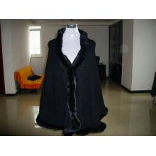 women cashmere shawl with fur trim