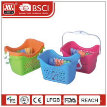 plastic basket with 18 pcs clips