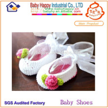 New arrival promotion soft lovely crochet baby shoes free