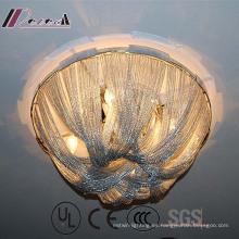 Lámpara de techo decorativa con cadena de aluminio blanco de diseño europeo