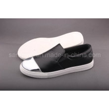Women′s Casual Patent Leather Shoe