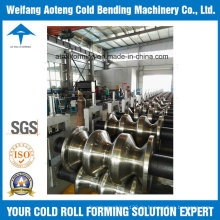Drei Wellen Highway Guardrail Roll Forming Machine