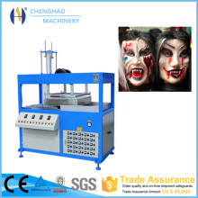 Vide formant la machine pour le masque facial d'Halloween