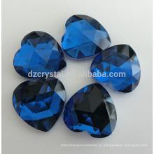 Pedras extravagantes lisas da forma do coração