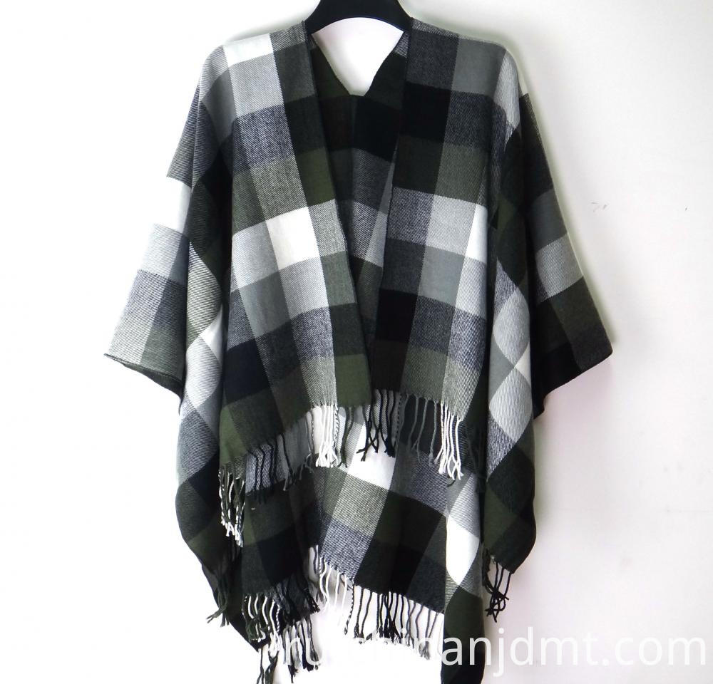Ladies Checker Pattern Wrap