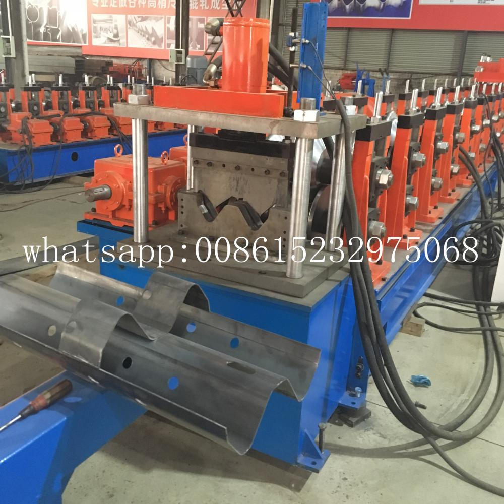 Harga Kilang Borong w beam crash barrier machine