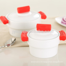 Mini size ceramic casserole dish with lid