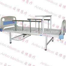 Doppeltes ABS medizinisches Bett mit seitlichen Schienen und Esstisch