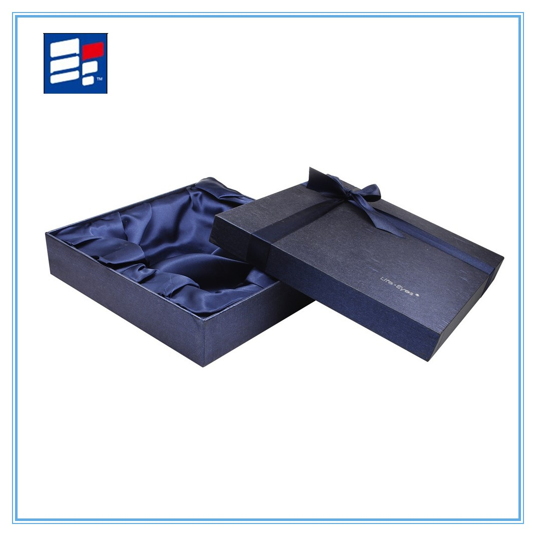 Clothing paper gift box