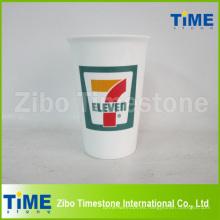 Taza de café de porcelana para ir con la etiqueta