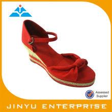 2014 nuevos zapatos de las sandalias de la señora de las cuñas