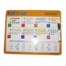 Bildungszeitplan whiteboard, unterrichtendes weißes Brett der Mathematik