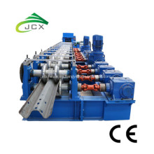 Máquina formadora de rollos de barandas de carretera