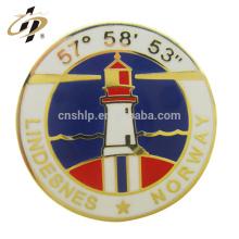 Usine prix en gros personnalisé forme ronde émail dur métal blanc bouton badge