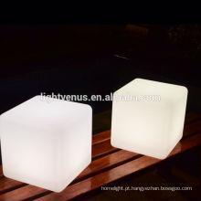 cubo de LED ao ar livre