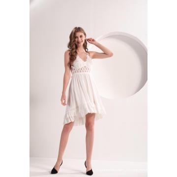 Женское белое кружевное платье с камзолом