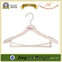 White Plastic Clothes Hanger with Bottom Rod