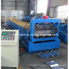 Plataforma do assoalho de aço que faz a máquina