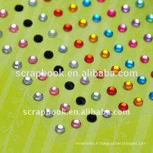 Les diamants colorés coller avec la qualité pour personnalisé