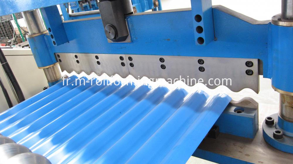 Corrugated sheet making machine