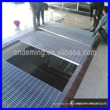 Drainage channel steel bar grating