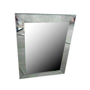 Espelho de parede tradicional com veludo de volta
