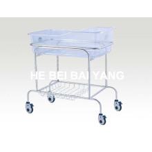 Lit bébé à l'hôpital en acier inoxydable