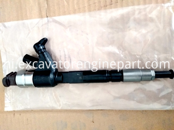 Fuel Injector D28 001 801 B For Truck Crane Spare Parts