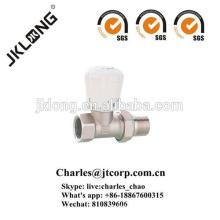 Válvula de radiador recta de latón con válvula termostática de níquel