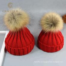 Senhoras feitas sob encomenda do desenhador de moda da marca chapéus de lã pretos