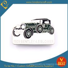 China Insignia suave mod personalizada del Pin de la forma del coche del esmalte del metal al por mayor en alta calidad