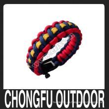 Tres colores que tejen los accesorios de la manera de la pulsera del paracord