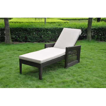 UV-proof outdoor wicker sun lounger with wheel