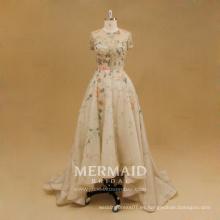 Front corto de espalda largo coloreado de encaje vestido de noche de las mujeres con cuentas