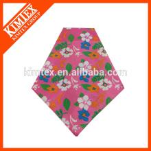 Lindo pañuelos de triángulo impreso a medida con su logotipo