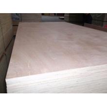 Todo o tipo de madeira compensada comercial