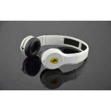 Fashionable Wired 3.5 Audio Stereo Headset Headphone (H03)