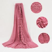 Hot vente arabe écharpe femmes hijab avec de la dentelle pure couleur TR coton broderie hijab