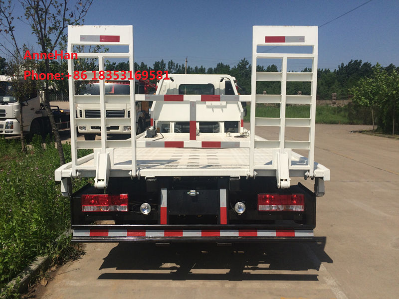 Sinotruk HOWO 5 tan flatbed towing trucks towing