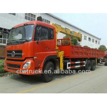 Dongfeng Tianlong 6x4 Pickup Kran Kran in Peru