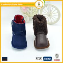 Los zapatos de bebé venden al por mayor 2015 el cuero encantador de la nueva manera de la llegada embroma los cargadores calza los zapatos
