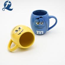 Пустой цвет M&M Cartoon Design керамическая кофейная чашка многоразового использования